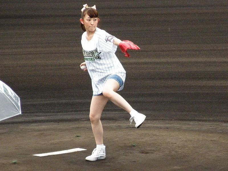 高橋美佳子さん雨中お疲れ様: 野...